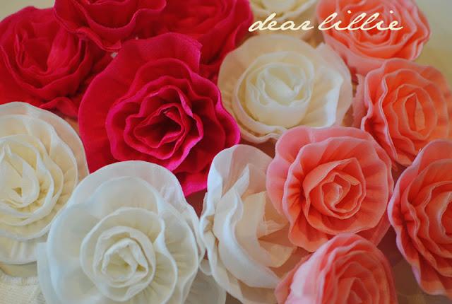 цветы из креп бумаги для украшения подарков (18) (640x430, 80Kb)
