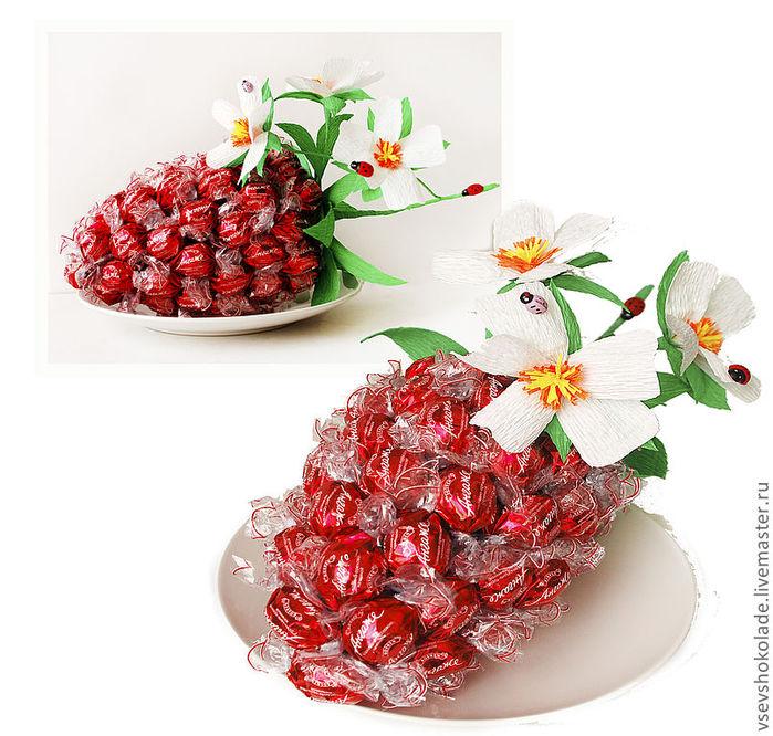 ягода из конфет (13) (700x666, 117Kb)