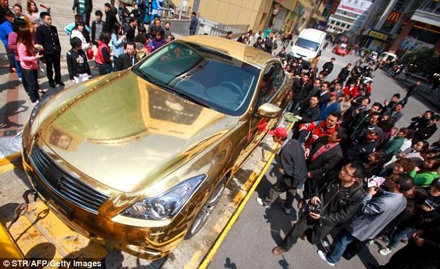 золотой кабриолет Infiniti G37 4 (638x391, 102Kb)