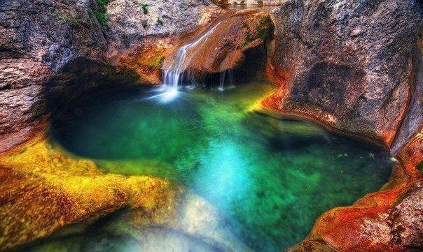 Ванна Молодости (озеро Кара-голь), Крым, Украина (604x361, 58Kb)