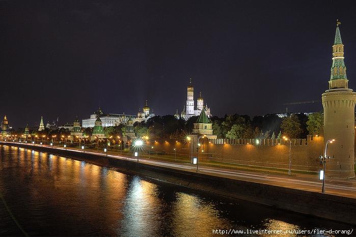 Kremlin1 (700x466, 300Kb)