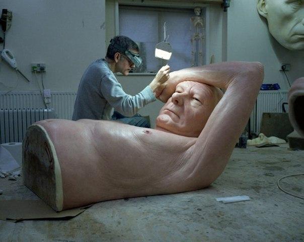 скульптуры рона мьюека фото 5 (604x480, 48Kb)