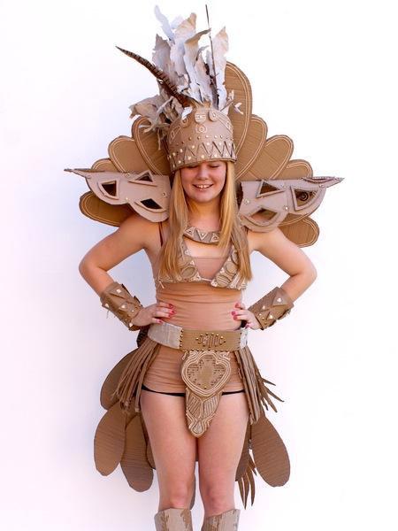 костюмы из картона фото (450x600, 50Kb)