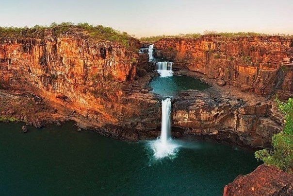 Второй по высоте в Австралии – красивый четырехуровневый водопад Митчелл (604x403, 64Kb)