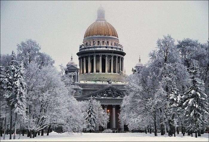 Исаакиевский Собор зимой (700x478, 123Kb)