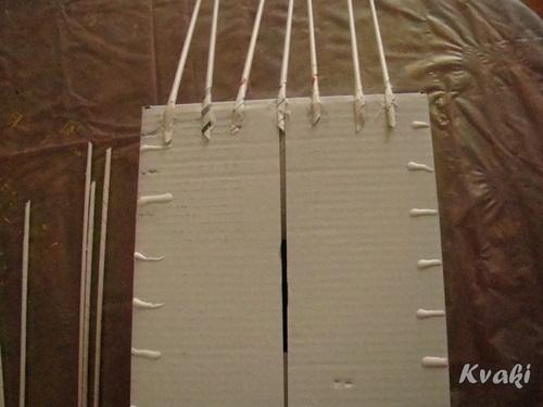 плетение из газет как крутить трубочки (9) (500x375, 102Kb)