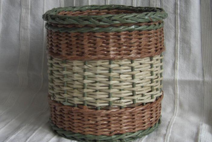 плетенки из газетных трубочек (6) (700x468, 44Kb)