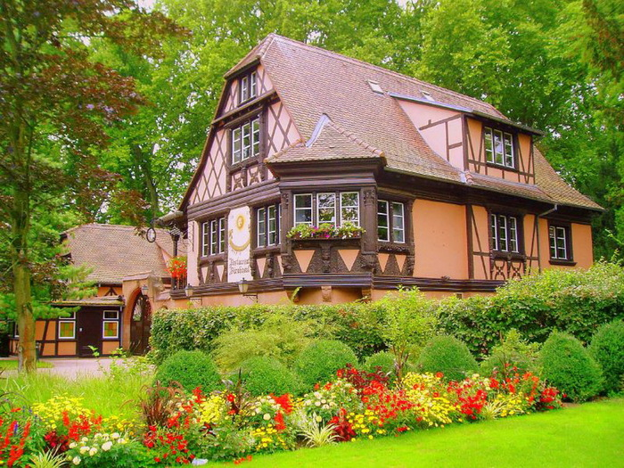 Фото дач домов в цветах