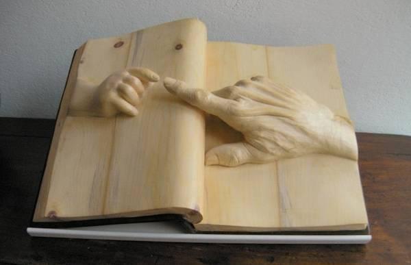 Нино Орланди. Книги с человеческими руками