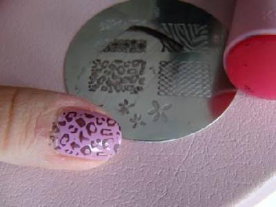 3342764_nail_stamping_9_thumb (400x300, 15Kb)