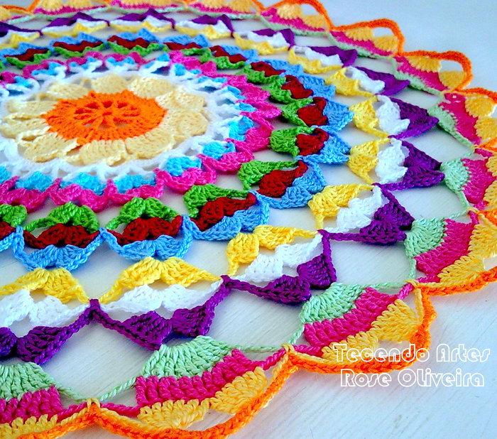 Как вязать салфетку крючком разноцветную