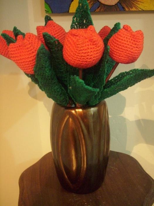 Тюльпанами можно украсить
