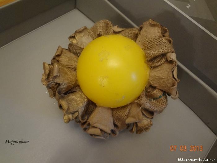 топиарий из мешковины и яичных лотков (7) (700x525, 227Kb)