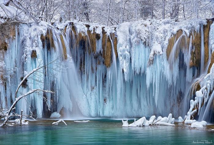 замершие водопады фото 1 (700x474, 193Kb)