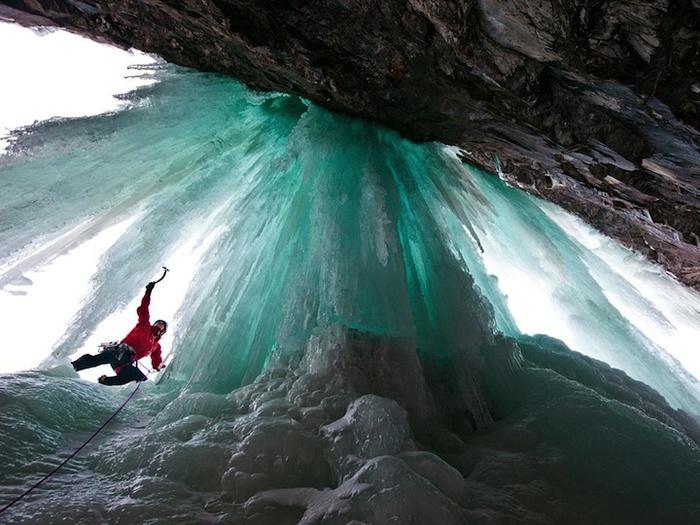 замершие водопады фото 8 (700x525, 150Kb)