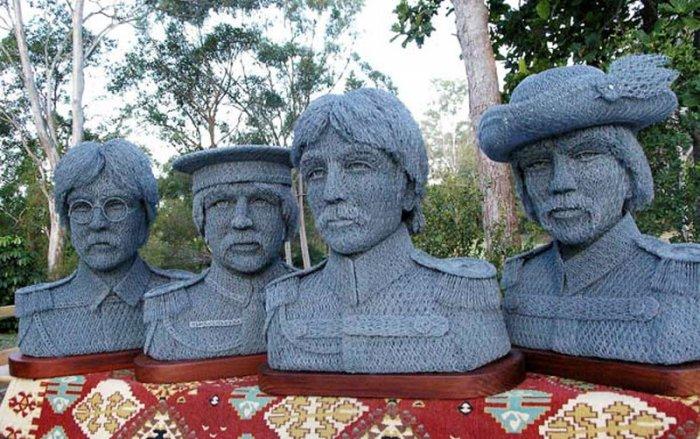 скульптуры из сетки рабицы Иван Ловатт 4 (700x439, 102Kb)