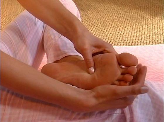 Как сделать себе массаж спины самому себе