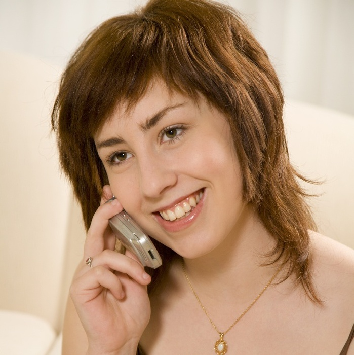 woman-talking-on-cell-phone (699x700, 139Kb)