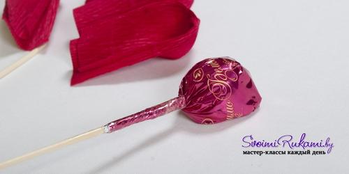 крокусы из конфет и гофробумаги (8) (500x250, 86Kb)