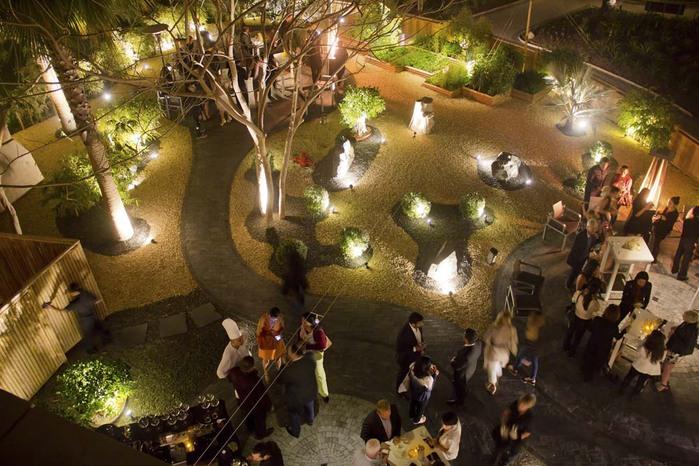 Os-Nobu-garden-brilha-no-Atlantis-The-de palma (700x466, 126KB)