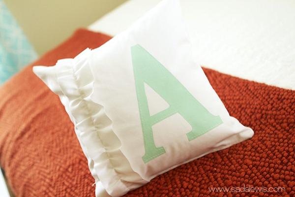monogram pillow tutorial[6] (600x400, 55Kb)