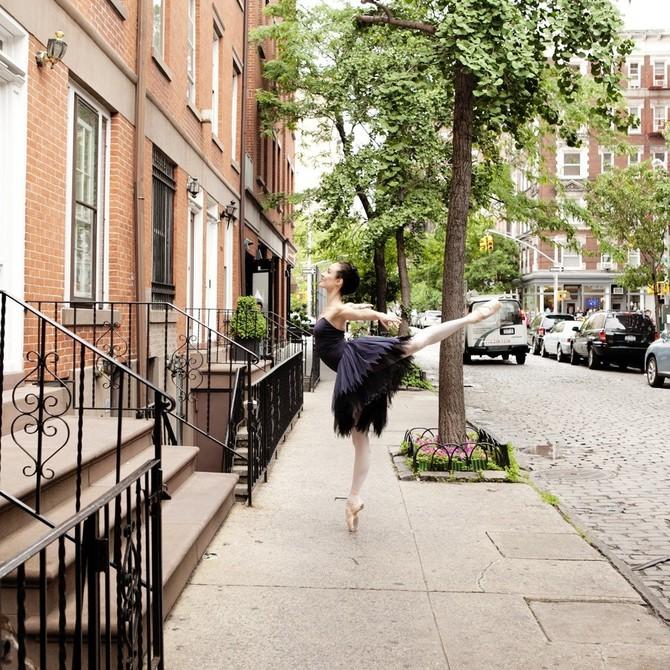 Lisa Tomasetti балерины на городских улицах 3 (670x670, 194Kb)