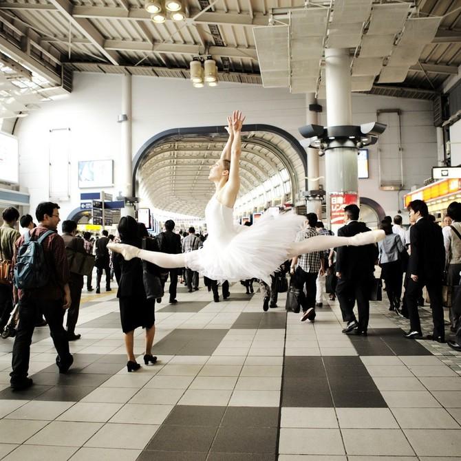 Lisa Tomasetti балерины на городских улицах 7 (670x670, 133Kb)