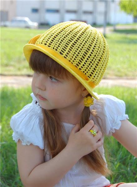 шляпка желтая (2) (440x600, 75Kb)