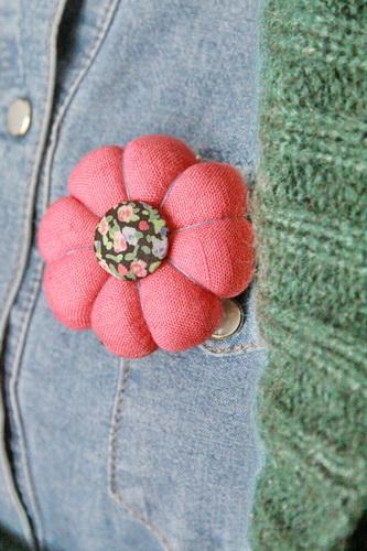 круглые цветы из ткани (41) (333x500, 97Kb)