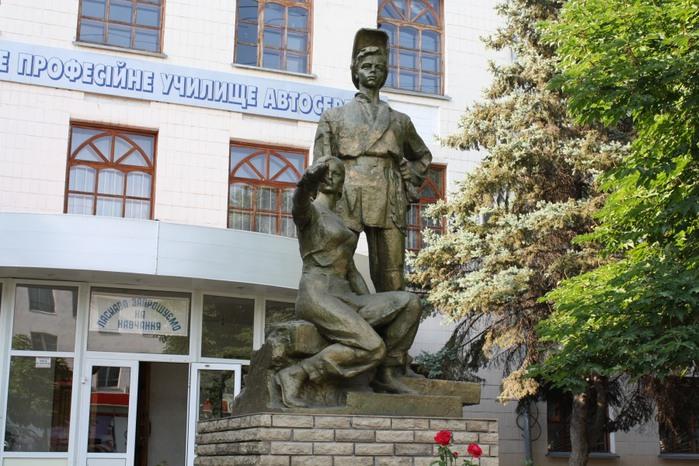 Цена на памятники в гродно к Северск гранитные памятники формы рязань