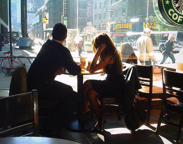 Смотреть онлайн парень развел девчонку в кафе за бабло 21 фотография
