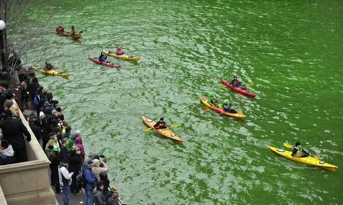 st-patricks-day-chicago-river-3 (700x419, 157Kb)
