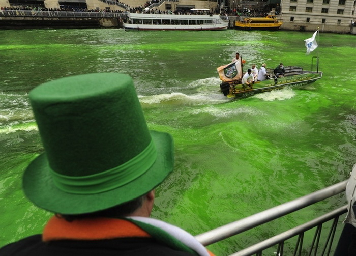 st-patricks-day-chicago-river-1 (700x503, 137Kb)