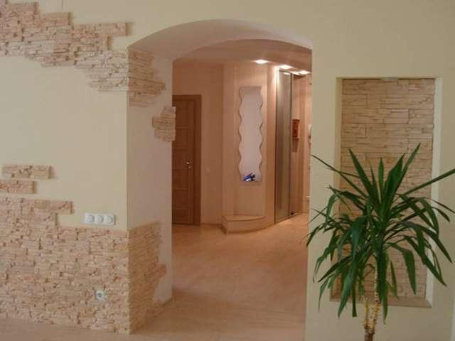 Дизайн стен и потолка в кухне