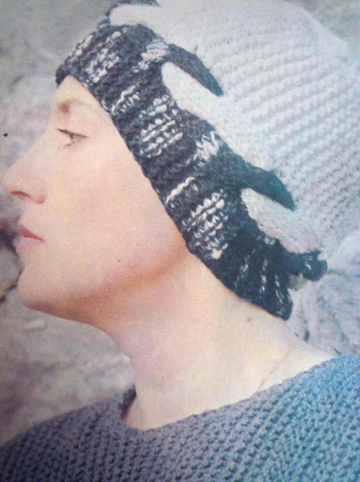 Цитата сообщения Иримед Прочитать целикомВ свой цитатник или сообщество.  Вяжем модели от Диора с двухцветной косой...