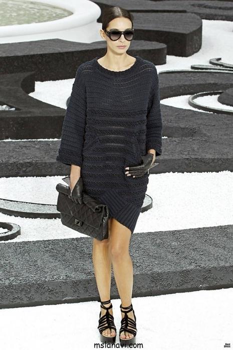 О-моде-Вязаное-платье-от-Шанель2-682x1024 (465x700, 235Kb)
