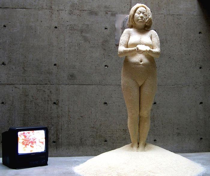Саери Каритани. Скульптура из миллиона рисовых зёрен