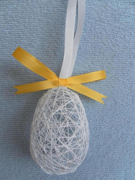 пасхальные яйца из ниток (5) (525x700, 280Kb)
