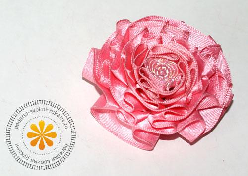 krasivye-cvety-iz-lent-svoimi-rukami (500x356, 48Kb)
