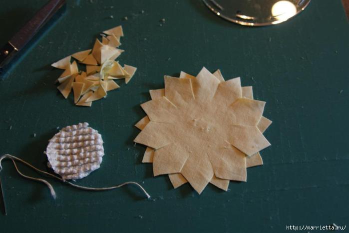 Ароматные кофейные подсолнухи из ткани. Мастер-класс (4) (700x466, 93Kb)