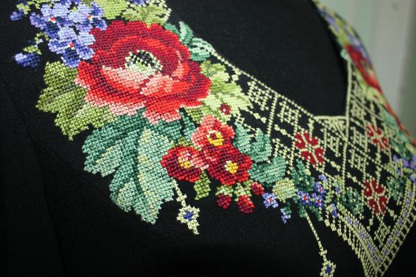 Вышивка на одежде крестиком