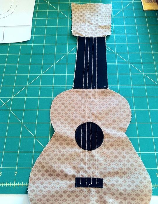 мастер-класс гитара игрушка подушка (8) (542x700, 322Kb)