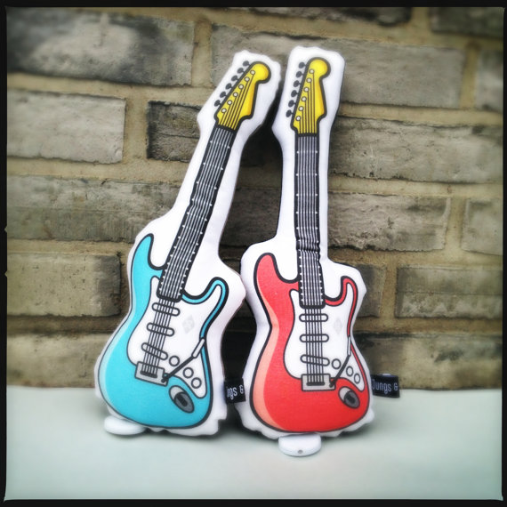 подушка гитара (8) (570x570, 76Kb)