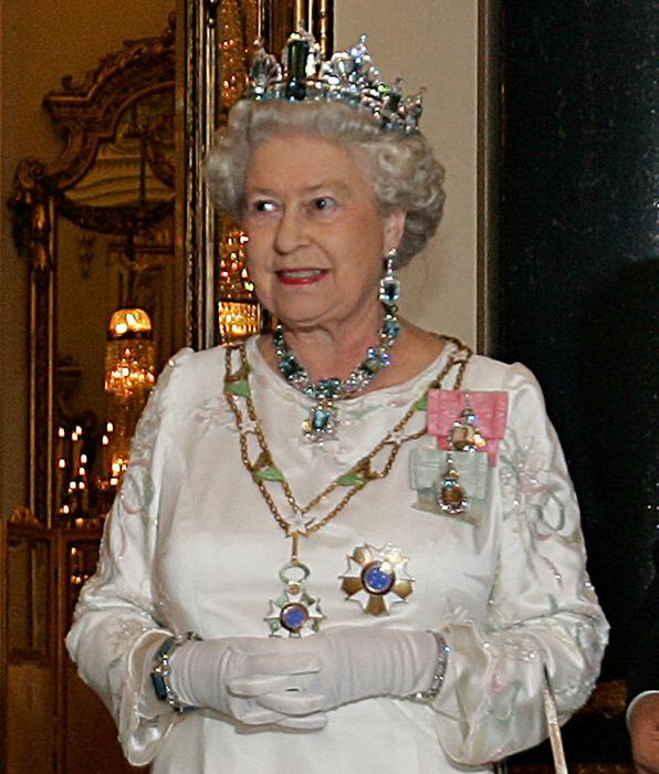 Queen (596x700, 178Kb)