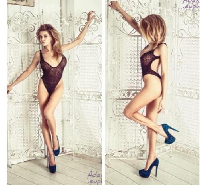 Лиза Кутузова показала грудь и ноги.