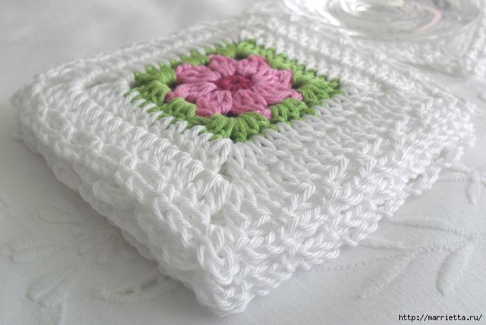 Вязание крючком. Очень нежная подушка Цветы в саду (1) (700x468, 152Kb)
