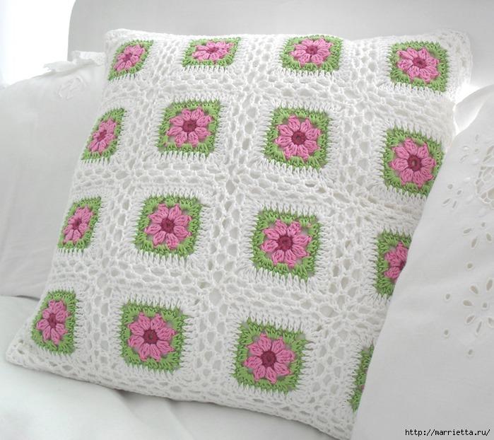 Вязание крючком. Очень нежная подушка Цветы в саду (5) (700x622, 246Kb)
