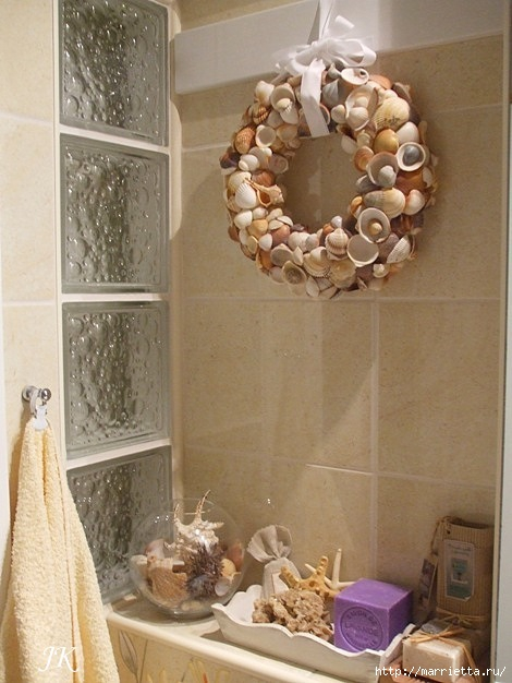Венок из ракушек для интерьера ванной комнаты (3) (470x626, 164Kb)