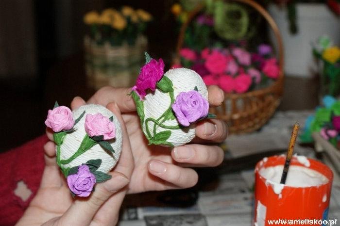 Пасхальные яйца из папиросной и гофрированной бумаги (8) (700x466, 149Kb)