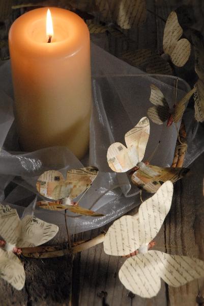 Венки с бабочками из газет, нотных и книжных страниц. Винтажные идеи (5) (401x600, 150Kb)